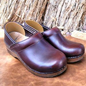 Dansko Brown Leather Clogs Size 35 (5)